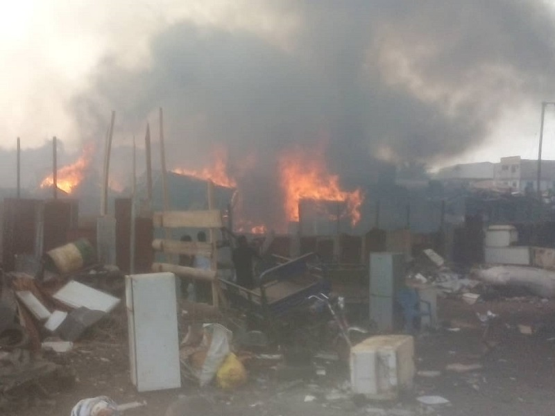 Kumasi: Fire sweeps 20 wooden structures at Dagombaline